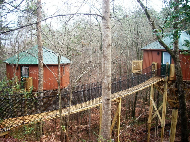 Treehouse Lodging At Historic Banning Mills
